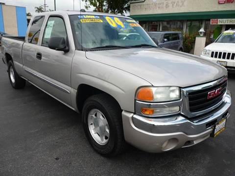 2004 GMC Sierra 1500 for sale at La Mesa Auto Sales in Huntington Park CA