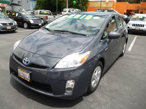 2010 Toyota Prius for sale at La Mesa Auto Sales in Huntington Park CA