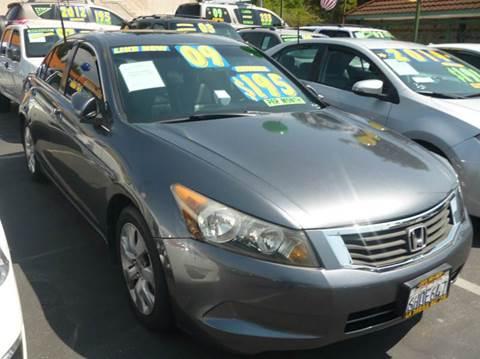 2009 Honda Accord for sale at La Mesa Auto Sales in Huntington Park CA