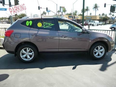 2009 Nissan Rogue for sale at La Mesa Auto Sales in Huntington Park CA