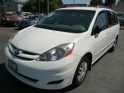 2008 Toyota Sienna for sale at La Mesa Auto Sales in Huntington Park CA