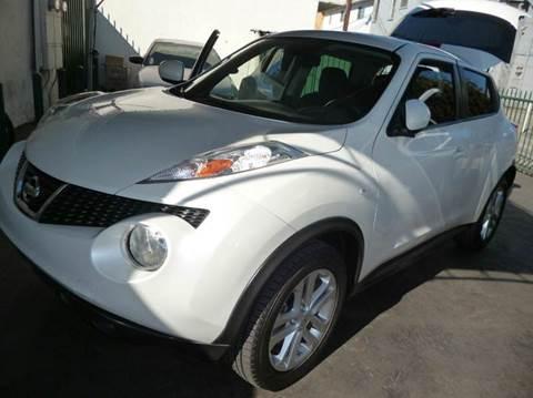 2013 Nissan JUKE for sale at La Mesa Auto Sales in Huntington Park CA