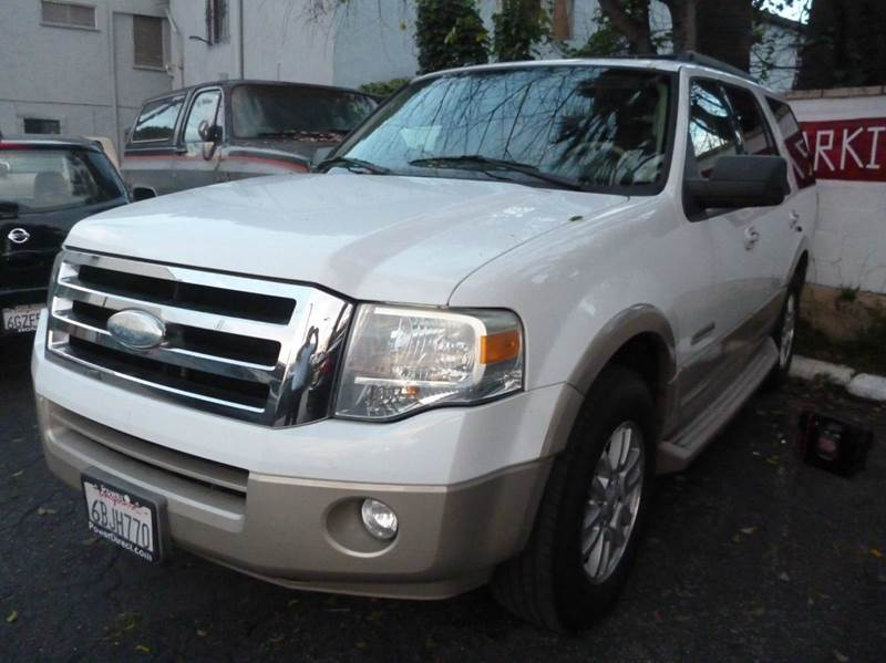 2007 Ford Expedition for sale at La Mesa Auto Sales in Huntington Park CA
