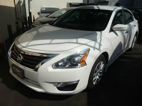 2015 Nissan Altima for sale at La Mesa Auto Sales in Huntington Park CA