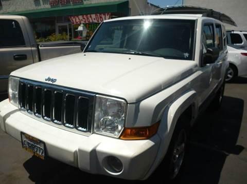 2009 Jeep Commander for sale at La Mesa Auto Sales in Huntington Park CA