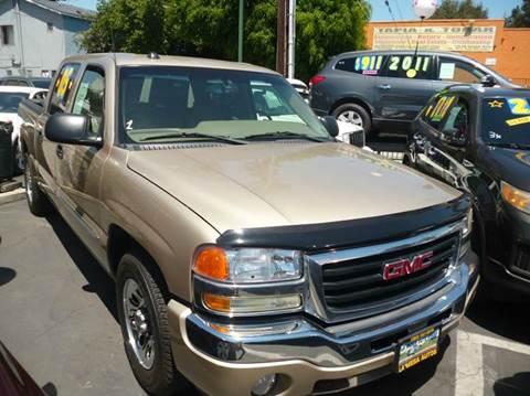 2005 GMC Sierra 1500 for sale at La Mesa Auto Sales in Huntington Park CA
