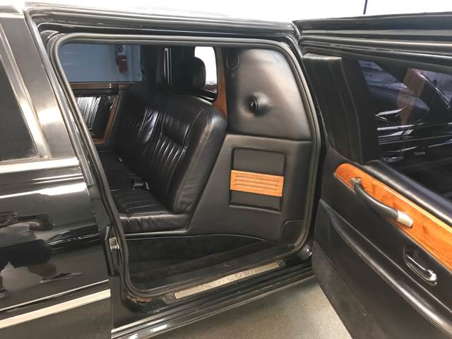 2003 Lincoln Town Car Livery 120'' Limo  - Kearny NJ
