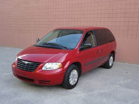 2006 Chrysler Town and Country for sale at United Motors Group in Lawrence MA