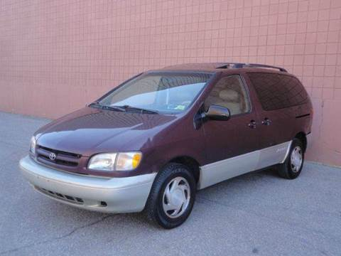 1998 Toyota Sienna for sale at United Motors Group in Lawrence MA
