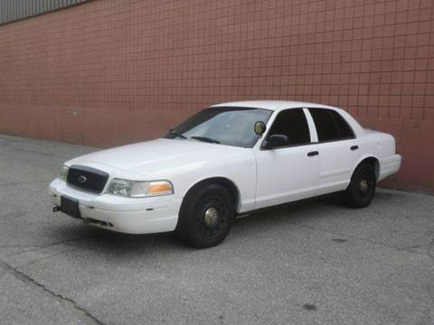 2005 Ford Crown Victoria for sale at United Motors Group in Lawrence MA