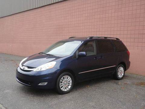 2007 Toyota Sienna for sale at United Motors Group in Lawrence MA