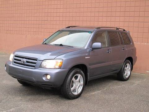 2005 Toyota Highlander for sale at United Motors Group in Lawrence MA