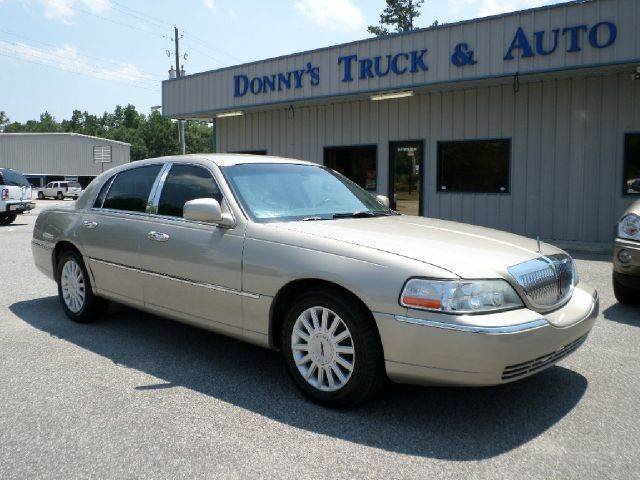2005 Lincoln Town Car Signature 4dr Sedan In Turbeville Sc Donny S