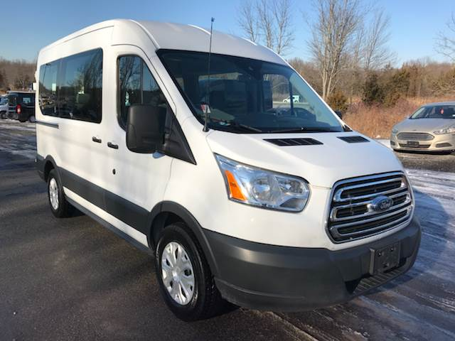 2017 ford transit passenger 150 xlt 3dr swb medium roof passenger van w sliding passenger side. Black Bedroom Furniture Sets. Home Design Ideas