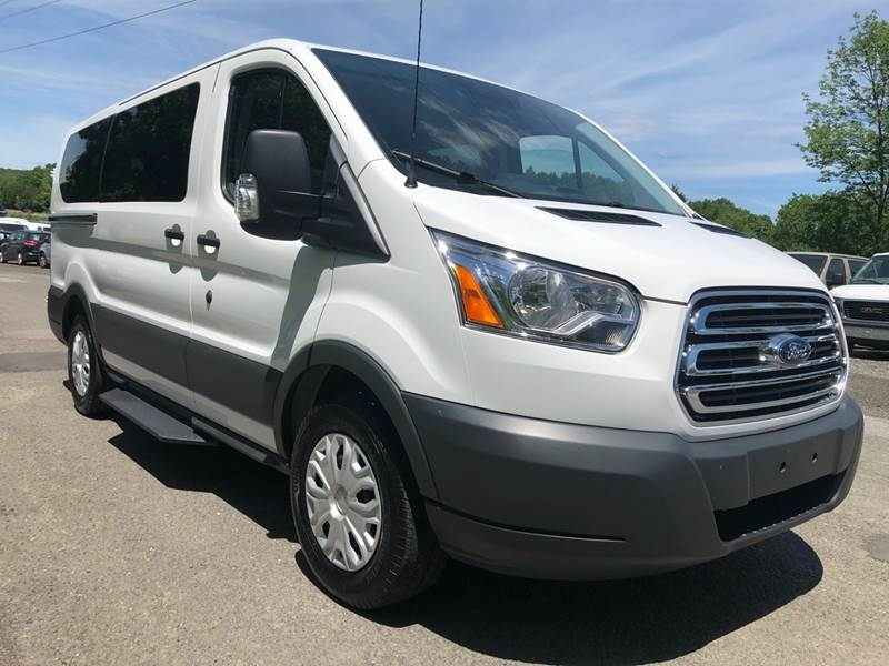 2017 Ford Transit Passenger 150 XLT 3dr SWB Low Roof