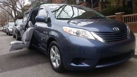 2015 Toyota Sienna LE 7-Passenger Auto Access Seat for sale at Seewald Cars in Brooklyn NY