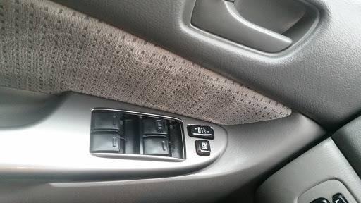 2010 Toyota Sienna (image 27)
