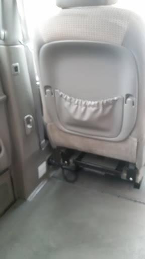 2010 Toyota Sienna (image 10)