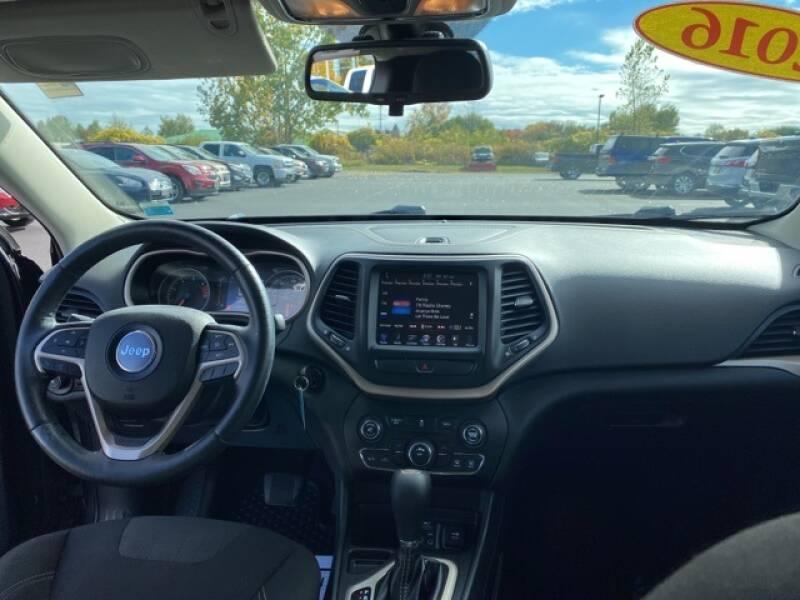 2016 Jeep Cherokee Latitude 4dr SUV - Geneva NY