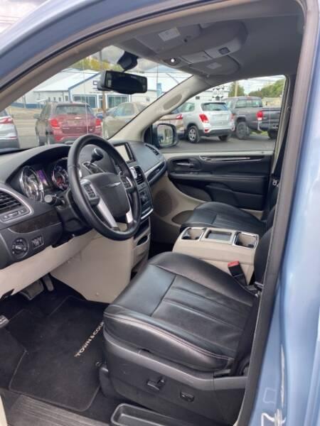 2013 Chrysler Town and Country Touring-L 4dr Mini-Van - Geneva NY