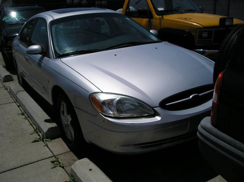 2002 Ford Taurus car for sale in Detroit