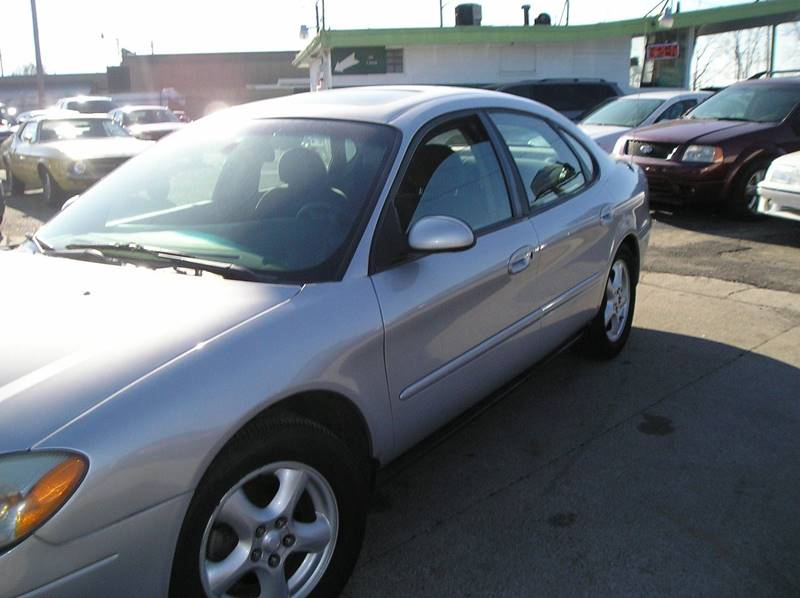 2003 Ford Taurus car for sale in Detroit