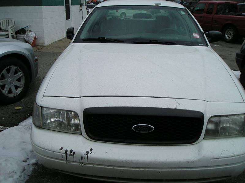 2003 Ford Crown Victoria car for sale in Detroit