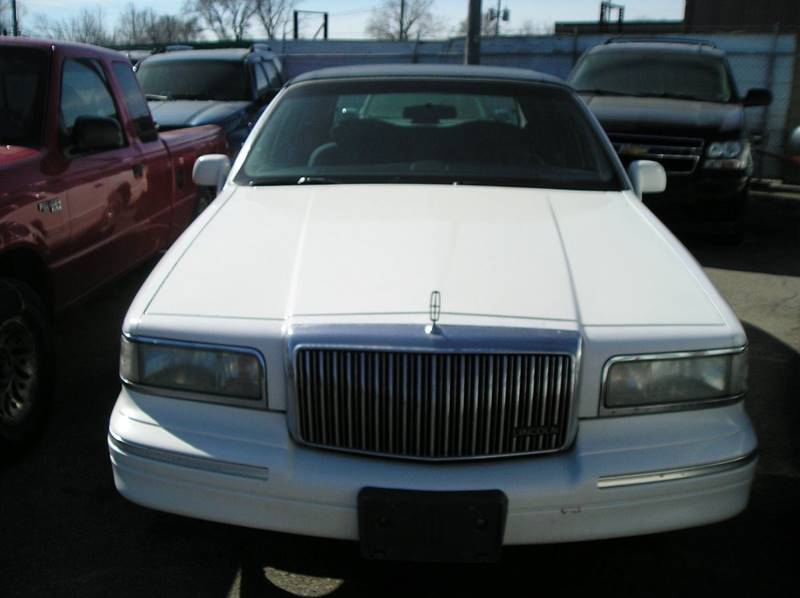 1996 Lincoln Town Car car for sale in Detroit