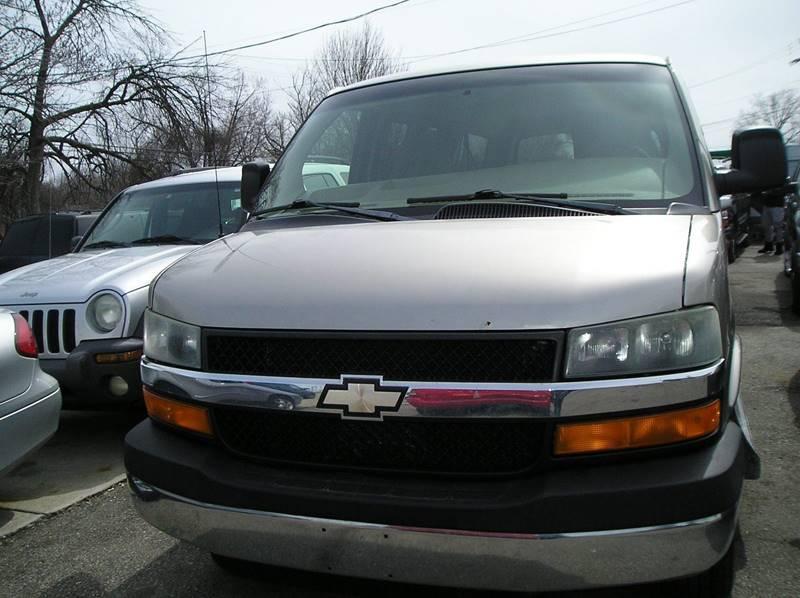2003 Chevrolet Express Passenger car for sale in Detroit