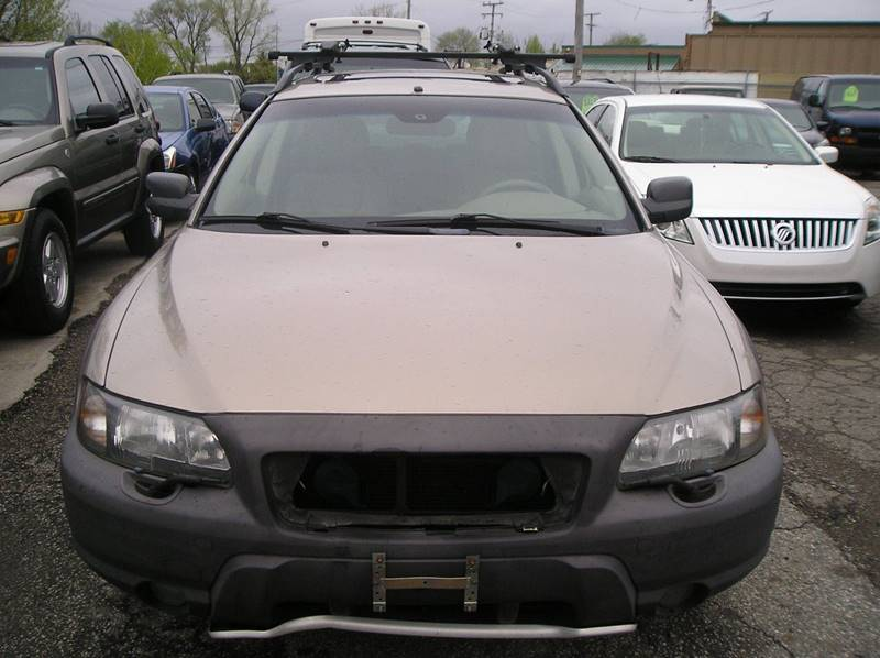 2003 Volvo Xc70 car for sale in Detroit