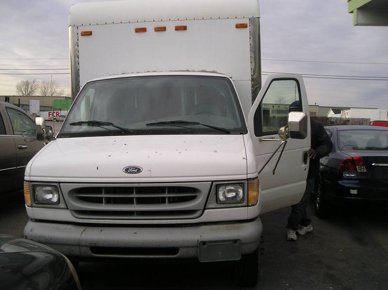 1999 Ford E-series Chassis car for sale in Detroit