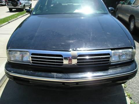 1995 Oldsmobile Ninety-Eight for sale in Roseville, MI