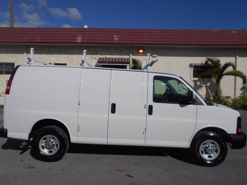 2017 Chevrolet Express 2500 Work Van >> 2014 Chevrolet Express Cargo 2500 3dr Cargo Van w/1WT In ...