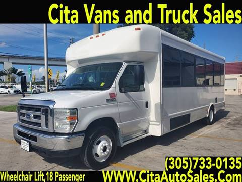 2013 FORD ECONOLINE E450 STARCRAFT 18 PASSENGER WHEELCHAIR LIFT for sale in Medley, FL