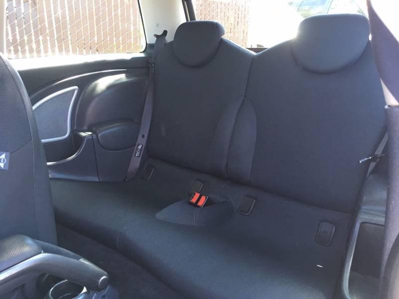 2006 MINI Cooper 2dr Hatchback - Riverbank CA