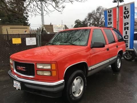 1999 GMC Yukon for sale in Riverbank, CA
