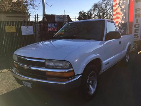 1999 Chevrolet S-10 for sale in Riverbank, CA
