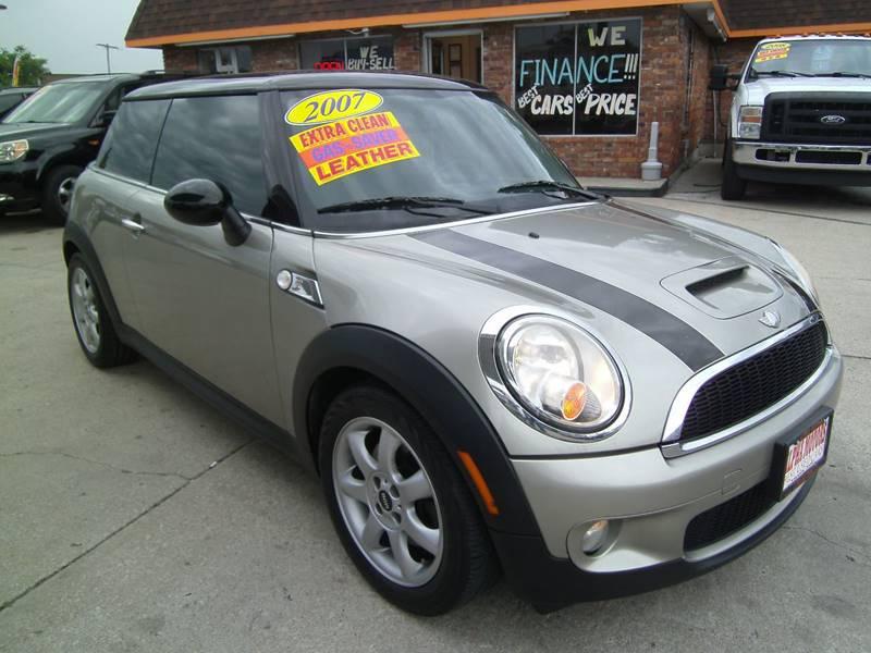 2007 MINI Cooper for sale at Alpha Motors in Kansas City MO
