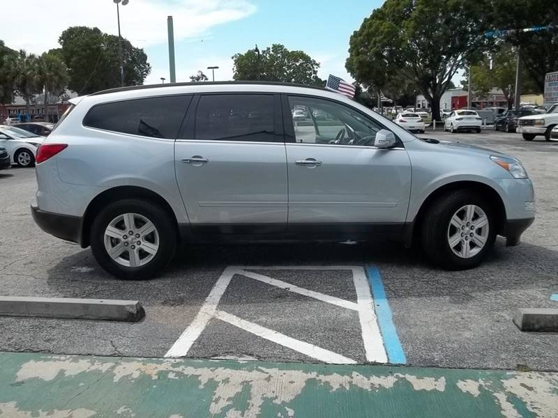 2011 Chevrolet Traverse Awd Lt 4dr Suv W 2lt In Fort Myers