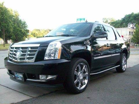 2007 Cadillac Escalade EXT for sale at Circle Auto Sales in Revere MA