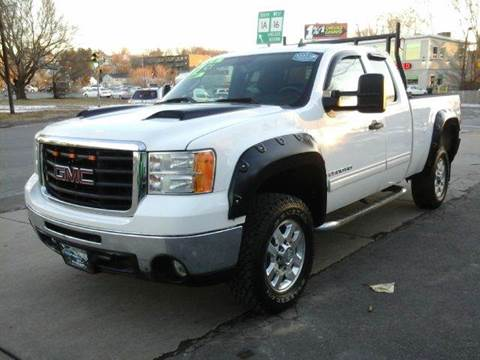 2007 GMC Sierra 2500HD for sale at Circle Auto Sales in Revere MA