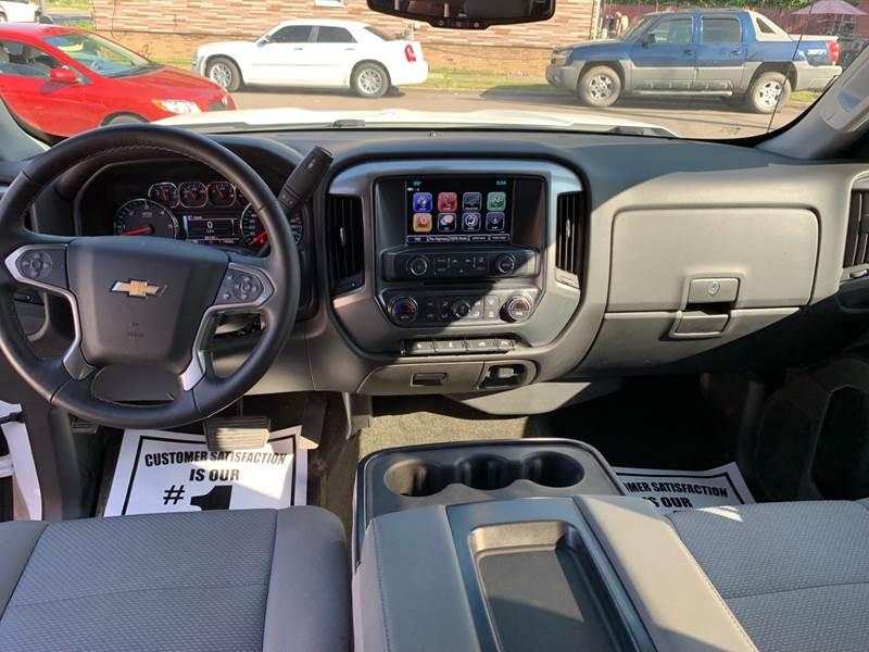 2017 Chevrolet Silverado 1500 4x4 LT 4dr Crew Cab 5 8 ft  SB