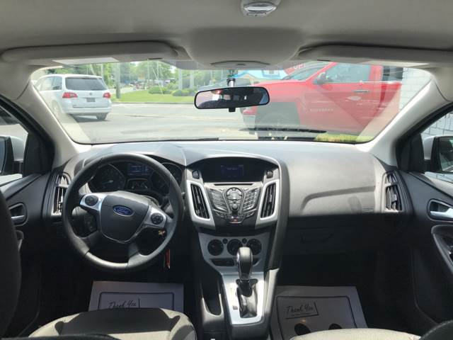 2014 Ford Focus SE 4dr Sedan - Vineland NJ