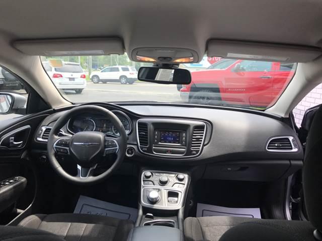 2015 Chrysler 200 Limited 4dr Sedan - Vineland NJ