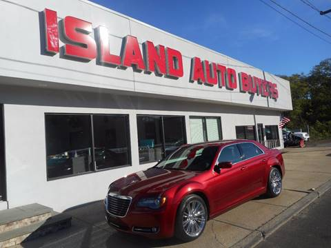 2013 Chrysler 300 for sale in West Babylon, NY