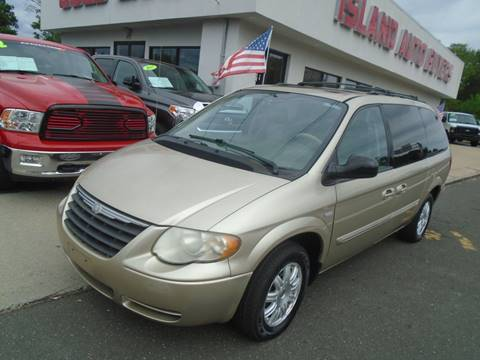 2006 Chrysler Town and Country for sale in West Babylon, NY