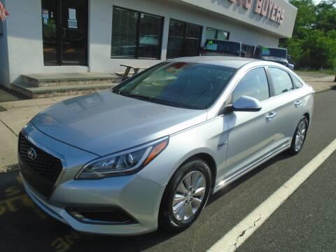 2017 Hyundai Sonata Hybrid for sale at Island Auto Buyers in West Babylon NY