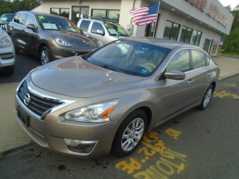 2013 Nissan Altima for sale at Island Auto Buyers in West Babylon NY