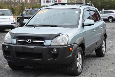 2005 Hyundai Tucson for sale at GREENPORT AUTO in Hudson NY