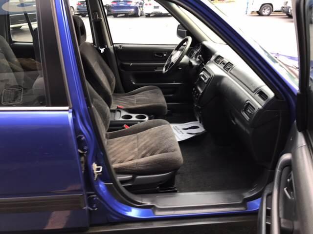 2000 Honda CR-V for sale at TRADEWINDS MOTOR CENTER LLC in Cleveland OH